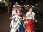 Op een scooter door Saigon
